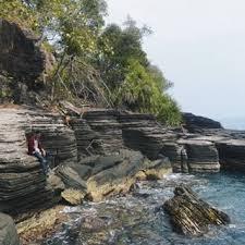 Pantai Batu Lapis